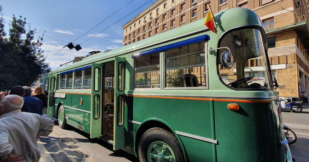 Alfa 1000 filobus Open House Napoli