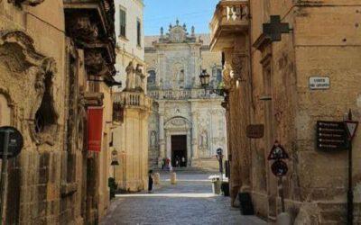 """Lecce tra leggenda e goliardia:breve storia di una finestra """"oscena"""""""